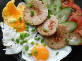 Вареная колбаса в кружке: рецепт для тех, кто ценит домашнюю кухню