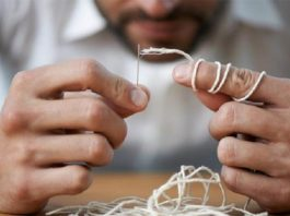 Элементарный метод продевания нитки в любую иголку – никогда о нем не знала!