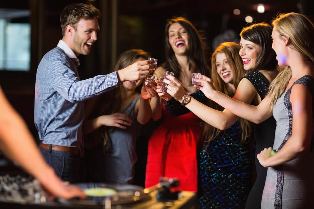 Картинки по запросу Всего одна вечеринка со спиртным